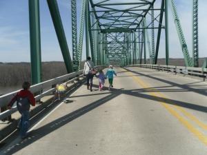 running on the Lacon bridge