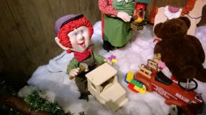 "cute little ""claymation"" Elves"